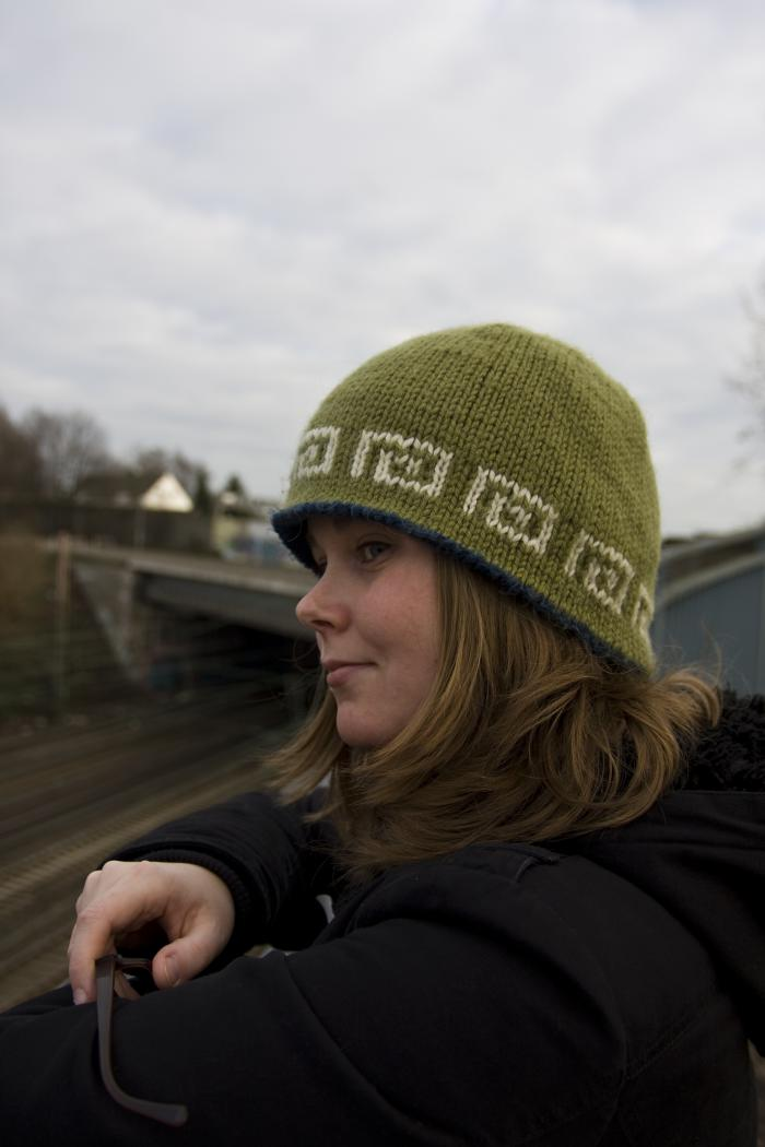 Kuebel hat - a design by Worsted Knitt